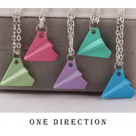 Ketting one direction vliegtuig